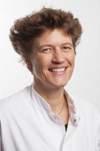 dr. J (Jeannette) Bakker